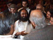 Рави Шанкар в окружении гостей конгресса