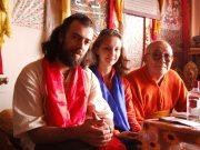 Г.Карельский и А.Гончаренко в Индии у Его Святейшества Халха Джецун Дампа Ринпоче (Богдо Гегена 9-го)