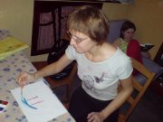 Н.Титова рисует мандалу после процесса холотропного дыхания